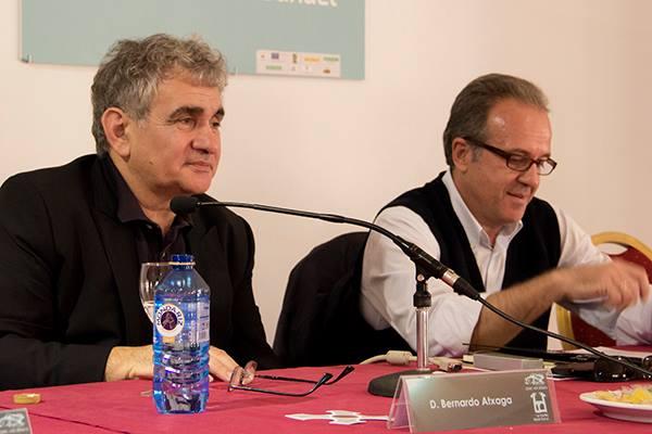Con Bernardo Atxaga en Las Mestas, 2013